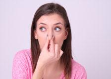 他人を遠ざける口臭!その原因と放置するリスク